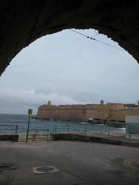 Jews_Sallyport_Valletta.jpg