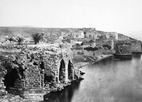 Tiberias, hugging the bank of Kinneret, as it was depicted in 1862.
