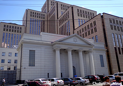The Jewish community center in Dnipo (formerly Dnepropetrovsk) Ukraine. The city was the scene of an attack on a Jewish man Friday morning. (Photo: Wikimedia Commons)