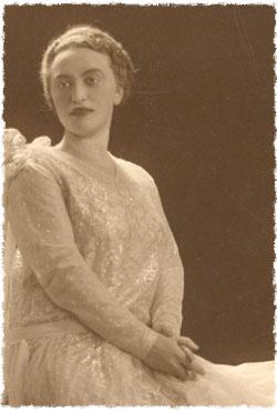 Rebbetzin Chaya Mushka Schneerson, of righteous memory (circa 1928)