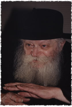 The Rebbe in audience with Rabbi Eliyahu in 1992 (Photo: Chaim Baruch Halberstam/Jewish Educational Media)