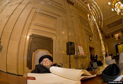 Rabbi Zeev Greenglass in Montreals City Hall during an event on the holiday of Chanukah. (Photo: Menachem Serraf)