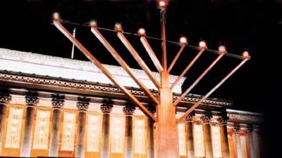 Liverpool, United Kingdom - Publicizing the Chanukah Miracle