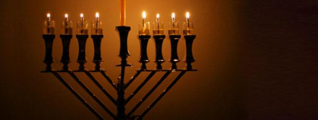 Jüdische Feiertage: Menora kaufen oder Geld spenden?
