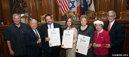 From left: New York State Supreme Court Justice Bruce M. Balter, Brooklyn Borough President Marty Markowitz, Misaskim director Rabbi Jack Meyer, Chabad-Lubavitch emissary Shternie Raskin, Hadassah regional president Gail Hammerman, and Brooklyn Jewish Heritage Committee co-chairs Judy Shapiro and Steven Cohen