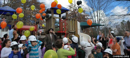 Rabbi Ari Karp, Beth Tefillah's youth rabbi, at the groundbreaking ceremony for the new youth and education building.