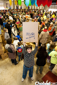 The organization also holds food-packing activities for groups of students and young adults as chesed (acts of kindness) projects.