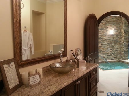 The preparation room and entrance to the Boca Raton mikvah