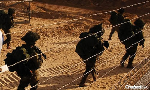 The first Israeli to be killed by Hamas rockets was at the Erez border crossing offering assistance to soldiers. (File photo: IDF)
