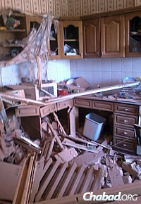 The damaged kitchen of a Jewish home in Lugansk, the result of shelling and fighting