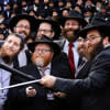 Thousands of Rabbis in Group Selfie