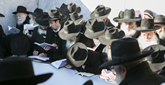 Thousands of Rabbis from Around the World Visit the Rebbe's Resting Place