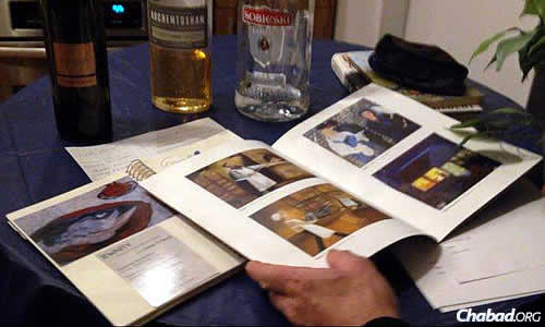 Catalog featuring Zibell's art, which for 30 years has been inspired by Jewish and Chassidic life.