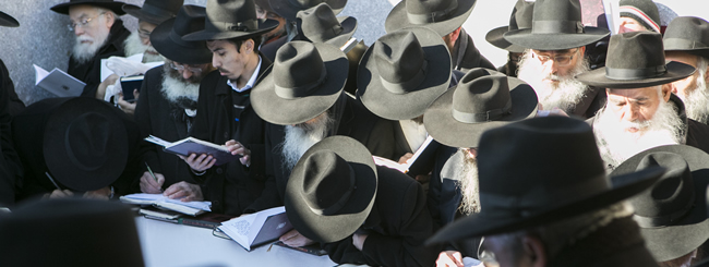 Photo Gallery: Thousands of Rabbis from Around the World Visit the Rebbe's Resting Place