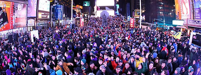 Photo Gallery: Jewish Teens Take Over Times Square, Soaking in Sights and Sounds
