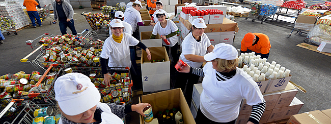 Holiday Watch: Record Passover Aid on the Way to Tens of Thousands in Israel