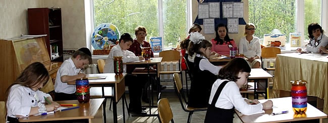 Former Soviet Union: Lugansk Jewish Community: School Building Not Confiscated During Passover