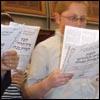 ¿Cómo enseñar a tu hijo a rezar en la sinagoga?