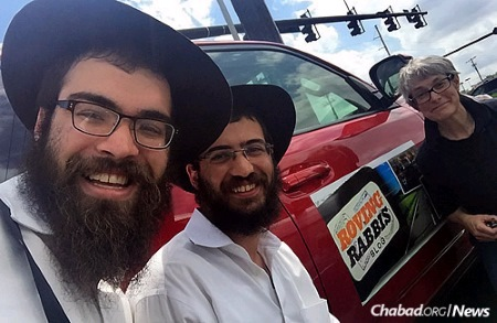 Rabbi Zushi Rivkin and Rabbi Mendy Wilschansky are on a six-week tour of the United States, driving from South Florida to Northern California, meeting lots of Jewish individuals on the way.