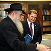 Aruba's Prime Minister Visits Chabad-Lubavitch Headquarters