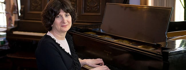 Jewish Women You Should Know: Pianist Shoshana Michel Expresses the Poignancy of Chassidic Melodies