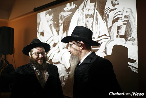 Rabbi Lazar, right, with Chabad Rabbi Nison Mendl Ruppo, chief rabbi of the nearby Jewish Community of Kostroma,