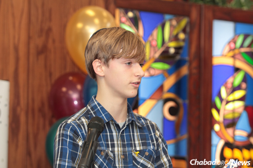 Leading the charge was 13-year-old Avi Pullin, who has been friends with Shmuely for the last few years.