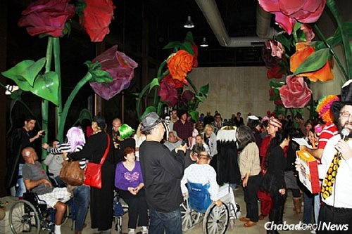 A Purim party thrown by CTVP in a prior year for soldiers and others at Sheba Medical Center. (File Photo/CTVP)