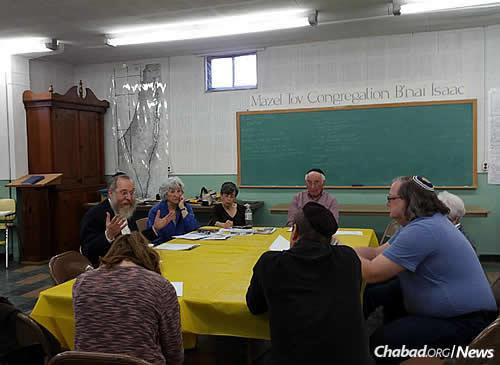 Rabbi Katzman teaches a Torah class in Aberdeen, the third-largest city in the state.