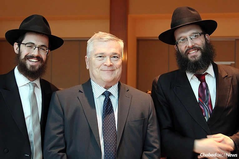 From left: Rabbi Hershy Gourarie, Dr. Eric Bannon and Rabbi Nosson Meretsky (Photo: Hannah Geller)