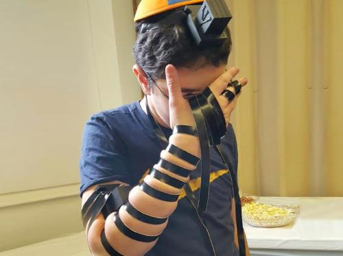 A teen recites the Shema prayer while wearing tefillin (credit: Cteen)