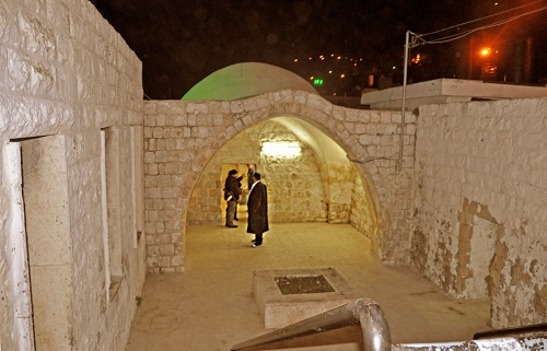 The courtyard of Joseph's Tomb in 2014 (credit: Meir Rotter).