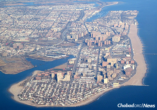 Coney Island peninsula; Sea Gate sits at the southern tip. (Photo: Wikimedia Commons)
