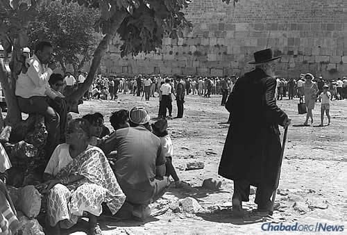 Israel constructed the Western Wall plaza immediately after the Old City's capture, even before the Six-Day War had ended, allowing Jews unimpeded access to the site for the first time in 2,000 years. (Photo: David Eldan/Israel Government Press Office)