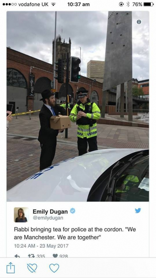 Twitter Manchester kindness.jpg