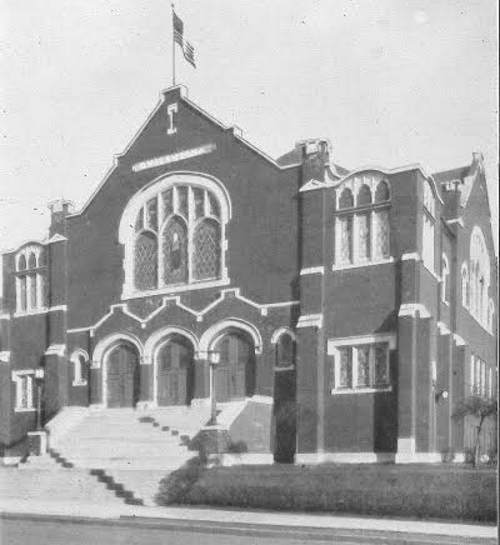 """The old B'nai Amoona synagogue at Academy and Vernon, where the """"Grand Reception"""" for the rebbe took place on the evening of his arrival in St. Louis. (Courtesy B'nai Amoona)"""