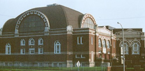 The old Shaare Zedek shul building on Page and West End (Courtesy Cong. Kol Rinah)