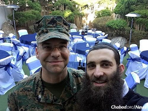 A visiting U.S. serviceman with Rabbi Osher Litzman (Photo: The Chabad Jewish Community of Korea)