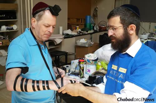Rabbi Yosef Kramer, right, of Little Rock, Ark.