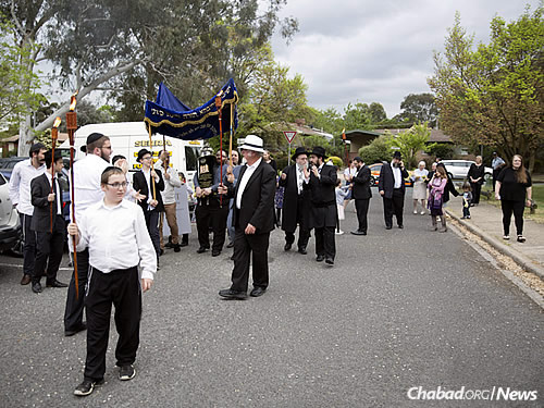 Marching down the streets of the Australian capital city of Canberra (Photo: U Branding)