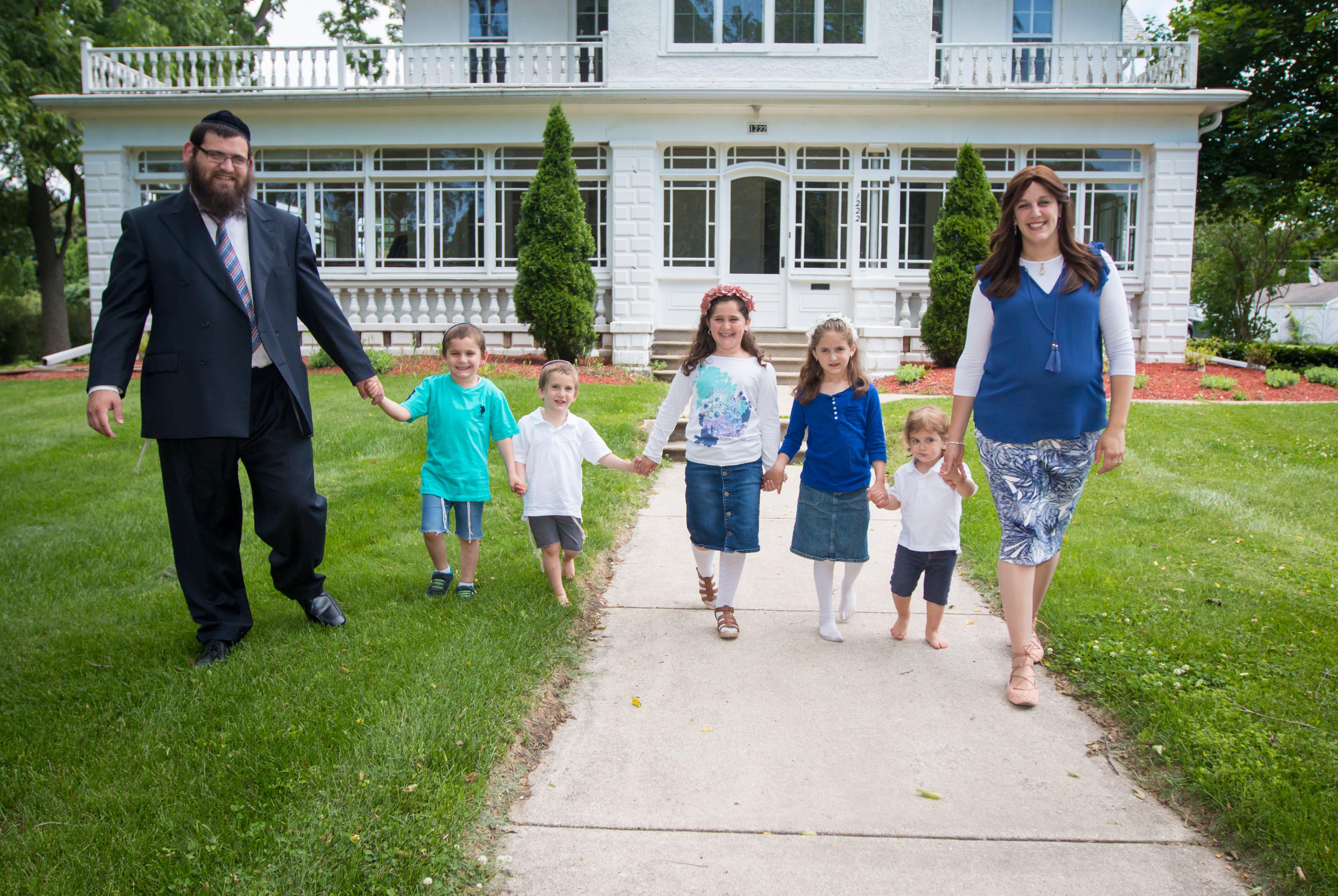 Family pic Chanuka 2013.jpg