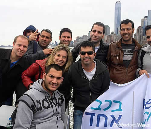 Sarah joined the group on a trip to the Statue of Liberty in March 2016. Ido is standing in the top row, third from right.