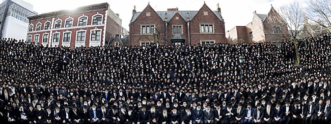 Headquarters: 'Capturing the Moment': Thousands of Rabbis in One Photo