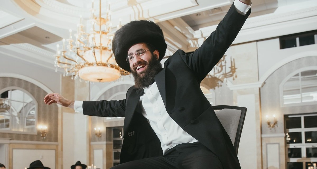 4534edb696717c Why Do Many Chassidim Wear Shtreimels (Fur Hats)? - And why doesn't Chabad  wear them? - Questions & Answers