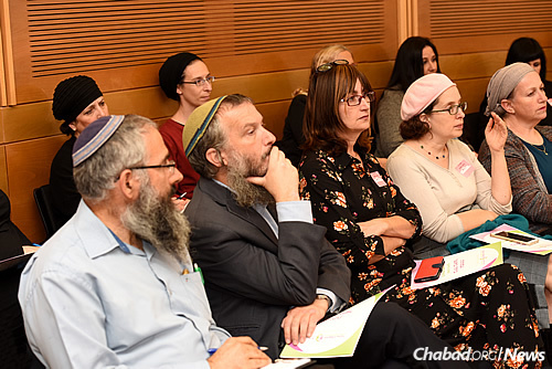 Speakers included therapists, judges, doctors and a mediator, all of whom discussed marital problems in Israel, how they are climbing, and the affect this is having on families' mental health and the economy. (Photo: Eden Video)