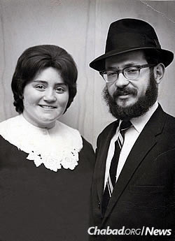 Rabbi Moshe and Mindelle Feller in their early years in Minnesota.