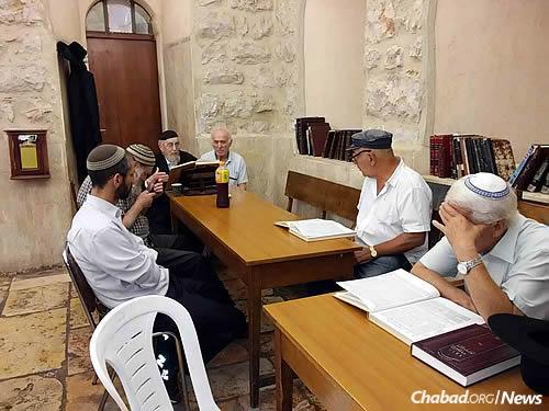Teaching a class in modern-day Jerusalem