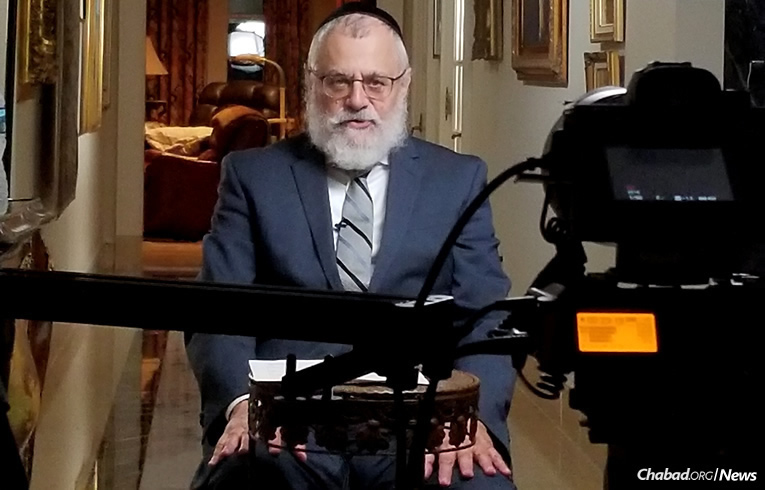 """Rabbi Shmuel Kaplan of Maryland will present a new Chabad.org online course titled """"The Heart of Prayer,"""" to begin on Jan. 22 and air on four consecutive Mondays at 6 p.m. EST."""