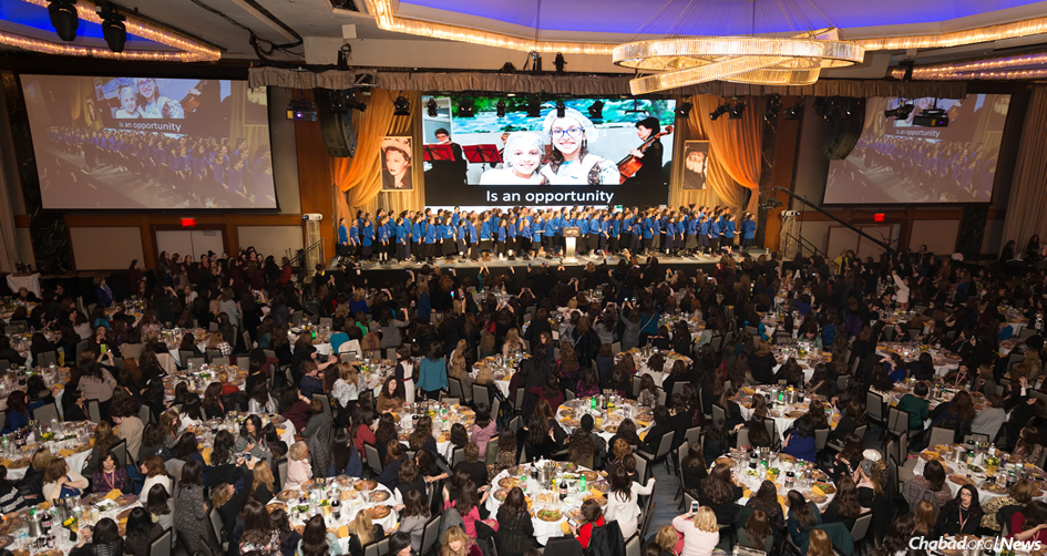 More than 3,000 women filled every inch of the ballroom of the New York Hilton Hotel in Midtown at the closing banquet of the annual conference of Chabad-Lubavitch Women Emissaries (Kinus Hashluchos). (Photo: Chavi Konikov)