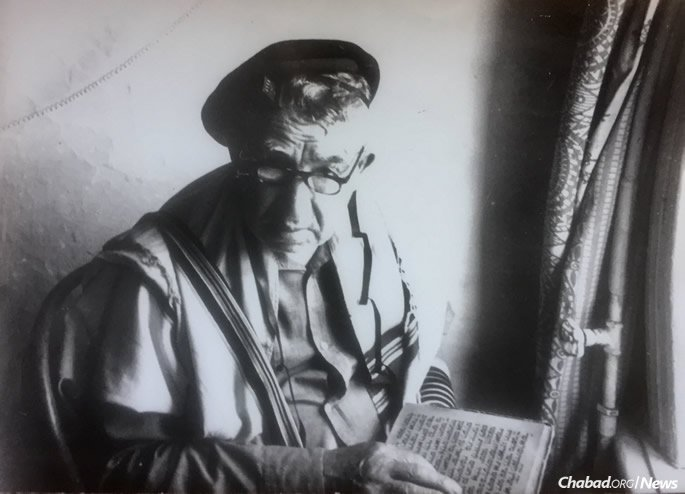 Menachem Yosef Ramatsky served as the last shammes of the Soldiers' Synagogue. When it was closed, he hid the synagogue's Torah scroll, passing it on to his son and then grandson, Boris (Boruch) Ramatsky.